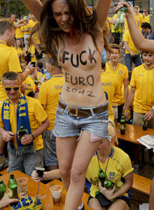 Femen Euro2012 on swedish table