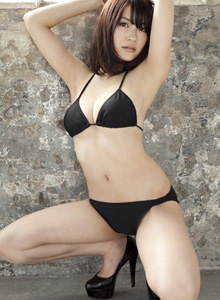 Asian Asuki Kishi white swan in bikini
