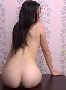 Flexible hairy pussy Nyuhai in the bathroom