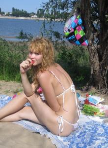 Girlfriends in bikini