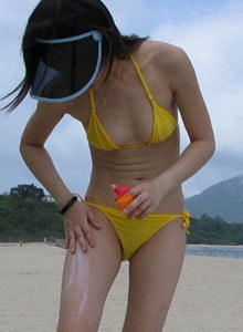 Mai Ling - exciting young asian Thai gf with extreme hairy pussy in bikini on the beach