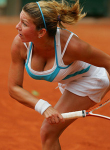 Simona Halep - mega boobs tennis player