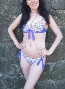Brunette gf showing her slim body in bikini