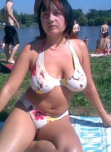 Busty gf at lake side in tight bikini