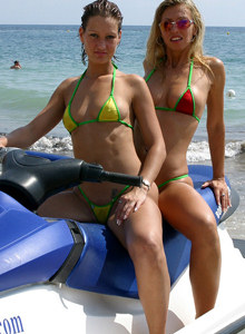 Amazing babes swimming in bikinis at Moraira