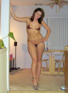 Nude beach nudist gf Estella looks sexy in bikini